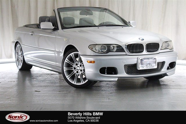 Photo Used 2005 BMW 330Ci Convertible in Los Angeles, CA