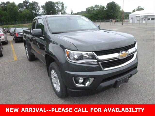 Photo Used 2016 Chevrolet Colorado LT Truck 4WD for Sale in Stow, OH