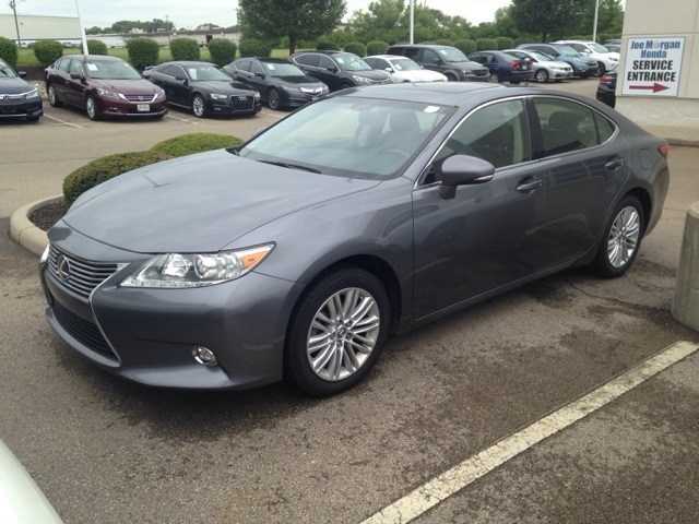 Photo Used 2014 LEXUS ES 350 For Sale in Monroe OH