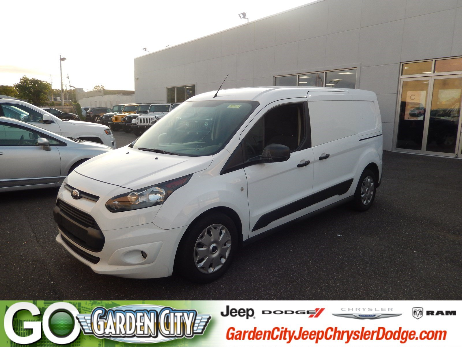 Photo Used 2015 Ford Transit Connect XLT LWB XLT For Sale  Hempstead, Long Island, NY