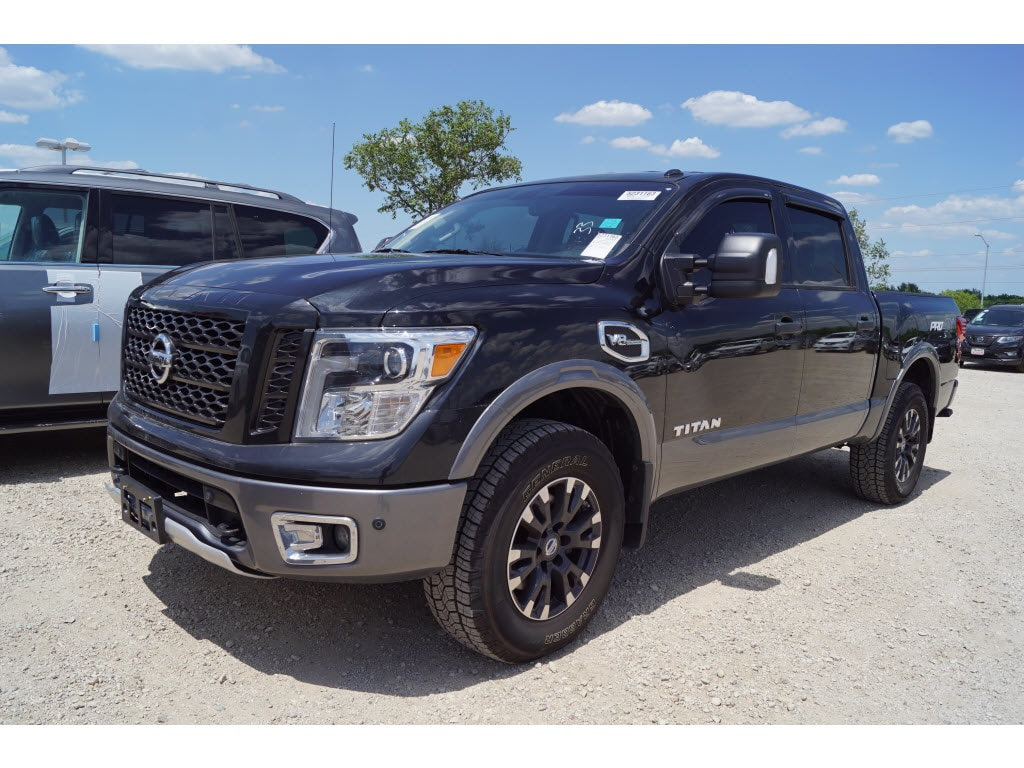 Photo 2017 Nissan Titan PRO-4X Truck Crew Cab For Sale in Burleson, TX