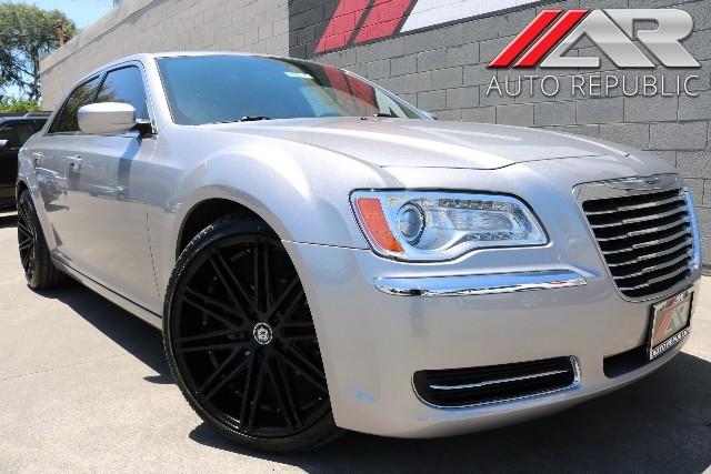 Photo 2014 Chrysler 300 Santa Ana 1-714-276-6060