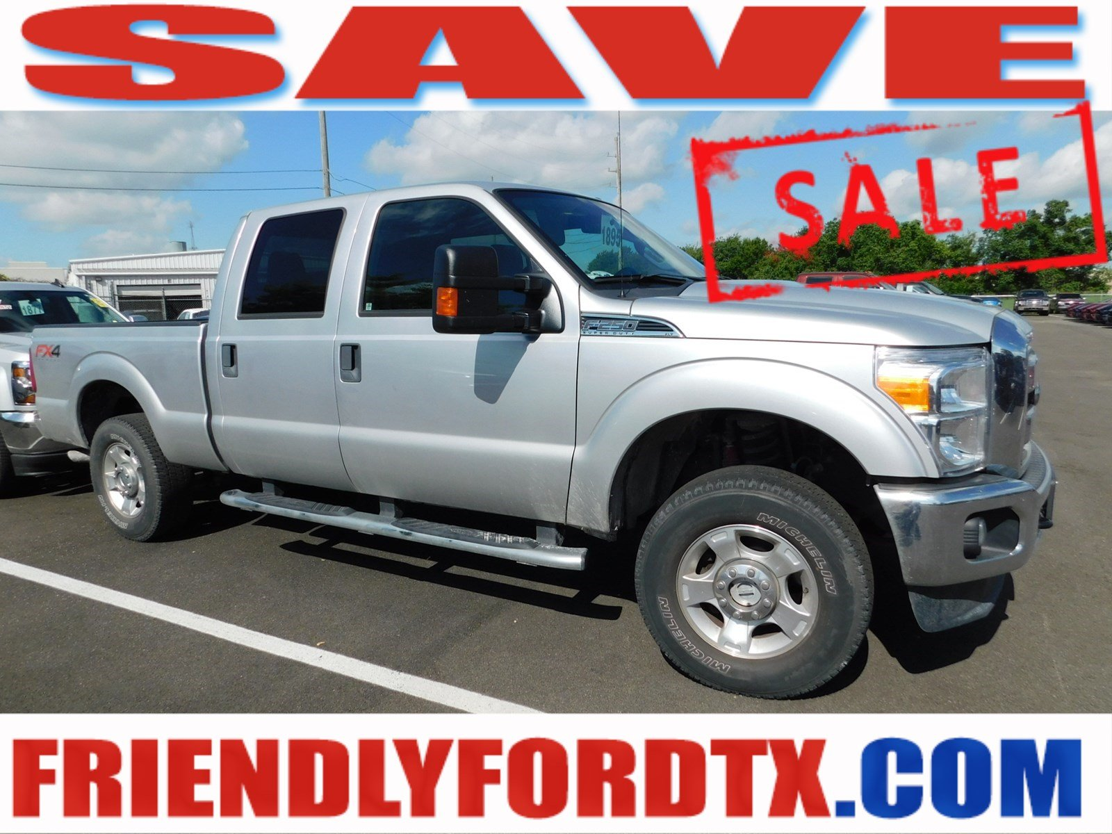 Photo Used 2015 Ford F-250 XLT Truck Crew Cab V-8 cyl for Sale in Crosby near Houston