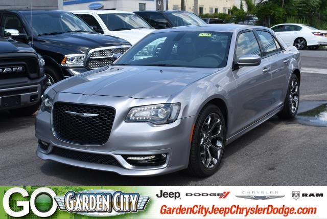 Photo Used 2017 Chrysler 300 300S 300S RWD For Sale  Hempstead, Long Island, NY