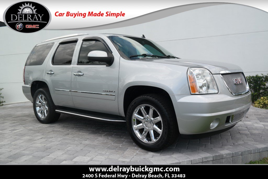 Photo Pre-Owned 2013 GMC Yukon Denali With Navigation