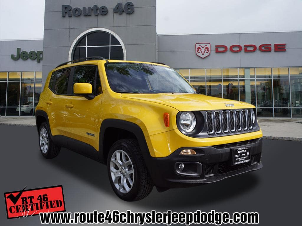 Photo Certified Used 2017 Jeep Renegade Latitude 4x4 SUV For Sale in Little Falls NJ