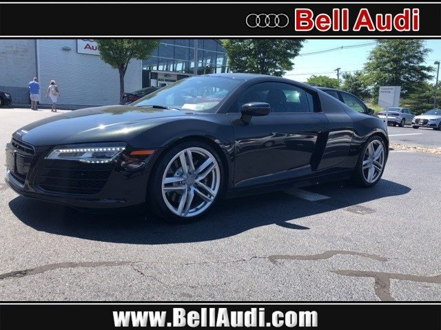 Photo Pre-Owned 2015 Audi R8 4.2 Coupe for Sale in Edison near Highland Park
