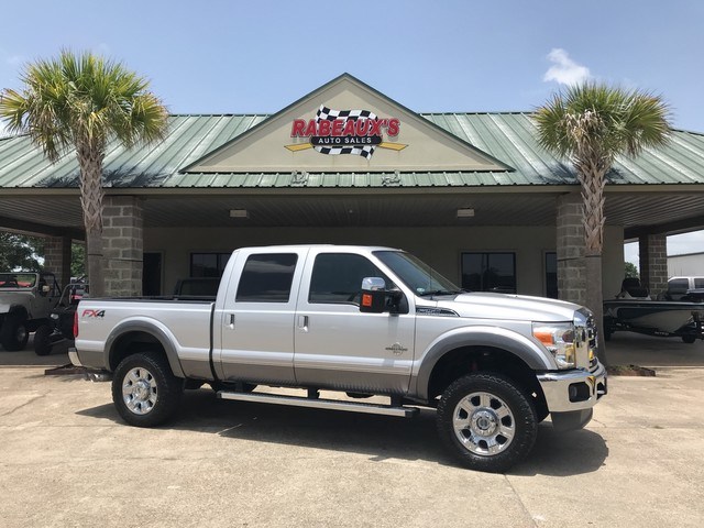 Photo 2012 Ford Super Duty F-250 Crew Cab 4WD Lariat