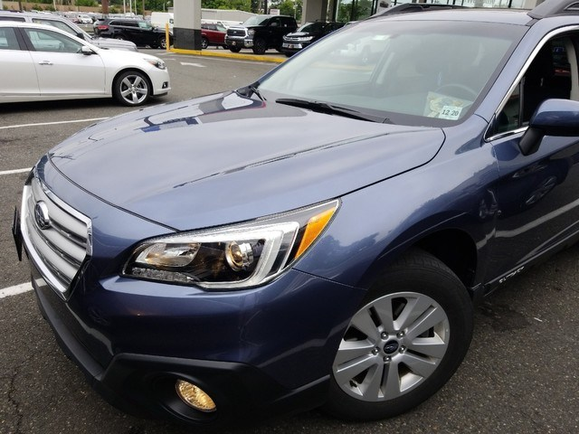 Photo 2016 Subaru Outback 2.5i Premium SUV All-wheel Drive