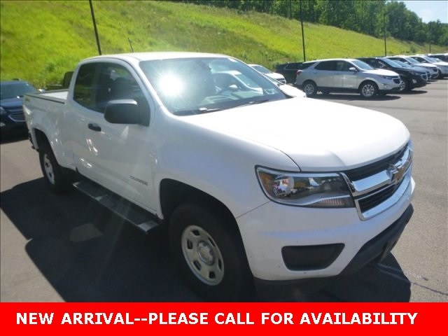 Photo Used 2015 Chevrolet Colorado Work Truck Truck 4WD for Sale in Stow, OH
