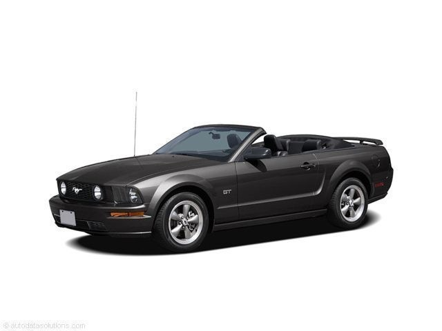 Photo 2006 Ford Mustang GT Convertible in Taylorville, IL