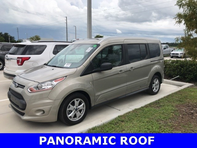 Photo Used 2016 Ford Transit Connect XLT W Panoramic Roof, Bluetooth, 2ND ROW Bucket S Wagon Wagon LWB I-4 cyl in Kissimmee, FL