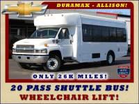 2008 Chevrolet C5500 Supreme SHUTTLE BUS - WHEELCHAIR LIFT!