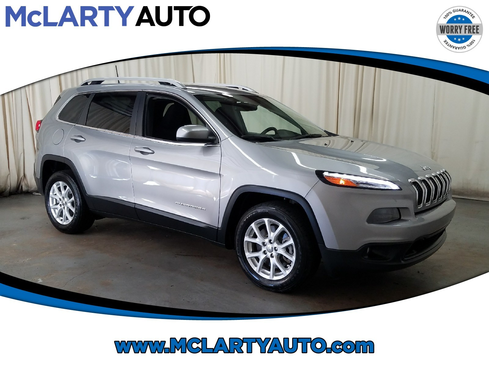 Photo Pre-Owned 2017 Jeep Cherokee Latitude FWD in Little RockNorth Little Rock AR