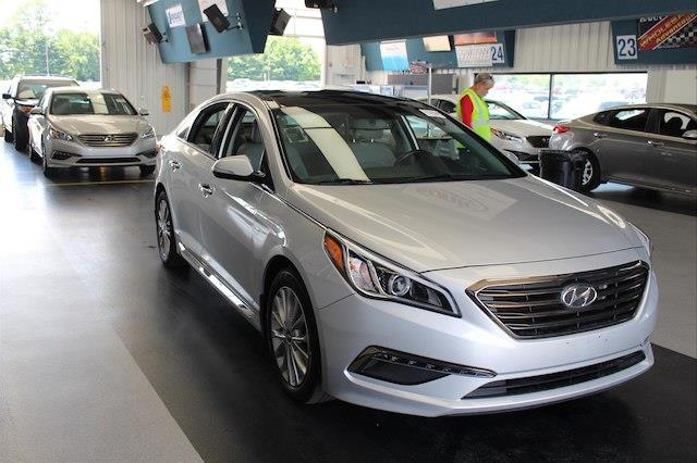 Photo 2015 Hyundai Sonata Limited - LEATHER BLIND SPOT PANORAMIC ROOF NAVI
