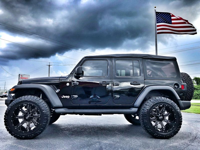 Photo Used 2018 Jeep All-New Wrangler Unlimited CUSTOM JL SPORT SOFT TOP LEATHER