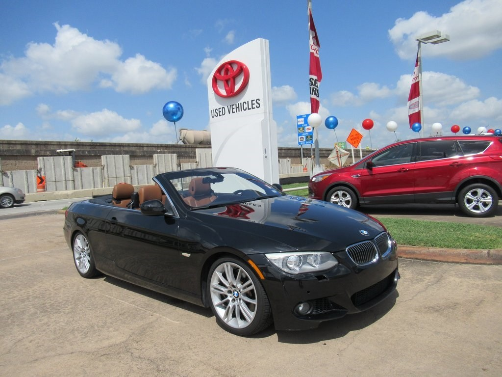 Photo Used 2012 BMW 3 Series 335i Convertible RWD For Sale in Houston