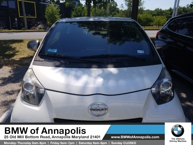 Photo 2014 Scion iQ Hatchback Front-wheel Drive