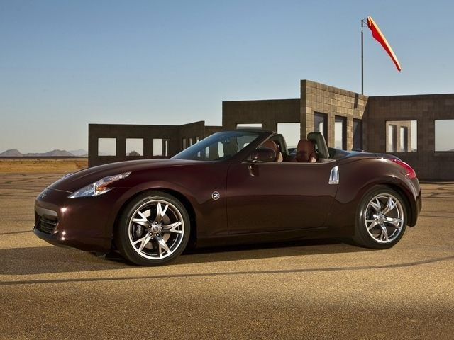 Photo Used 2010 Nissan 370Z Convertible Dealer Near Fort Worth TX