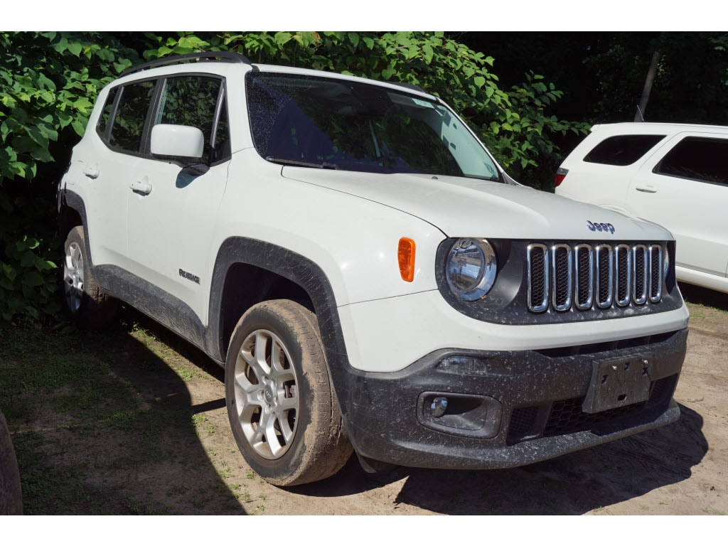 Photo Certified Used 2015 Jeep Renegade Latitude 4x4 SUV For Sale in Little Falls NJ