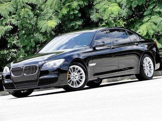 Photo 2014 BMW 7 Series M SPORT. 740Li. SHIFT PADDLE. HEA-UP DISPLAY. Sedan