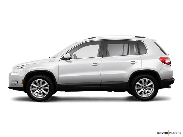 Photo Used 2009 Volkswagen Tiguan SE wLeather For Sale in Sunnyvale, CA