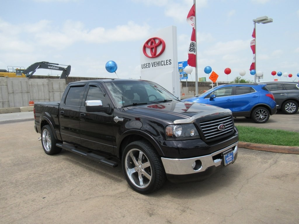 Photo Used 2007 Ford F-150 Harley-Davidson Truck RWD For Sale in Houston