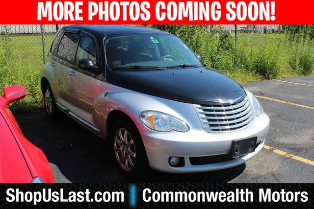 Photo Pre-Owned 2010 Chrysler PT Cruiser Classic Front Wheel Drive Sedan
