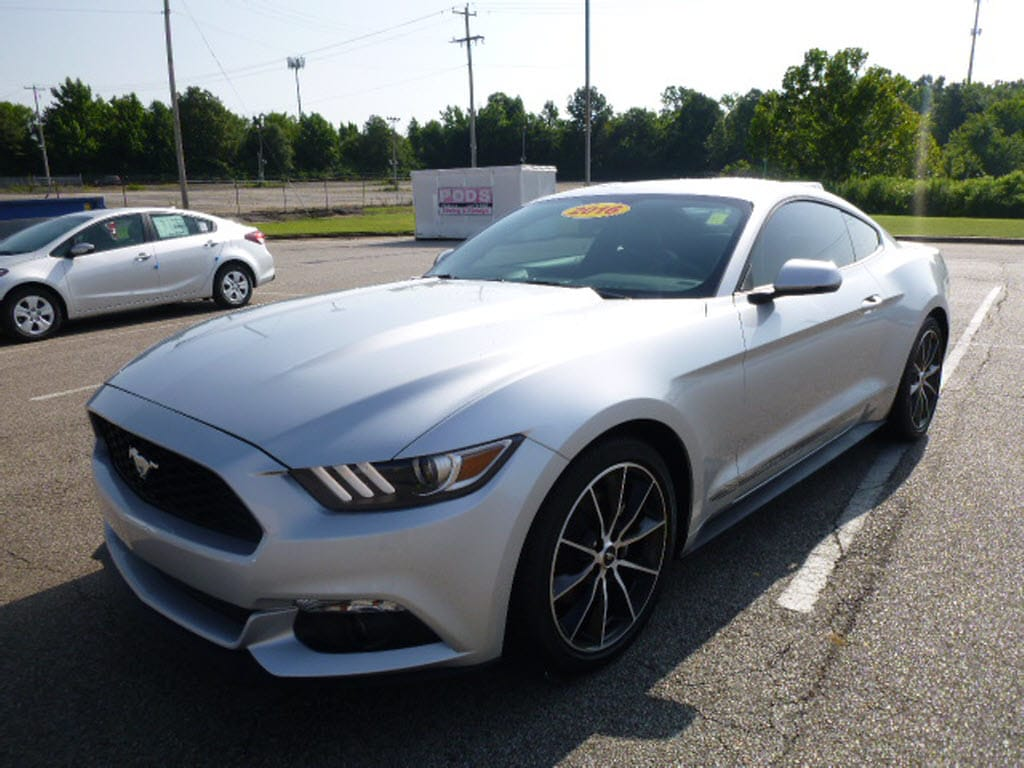 Photo Used 2016 Ford Mustang Coupe in Memphis, TN