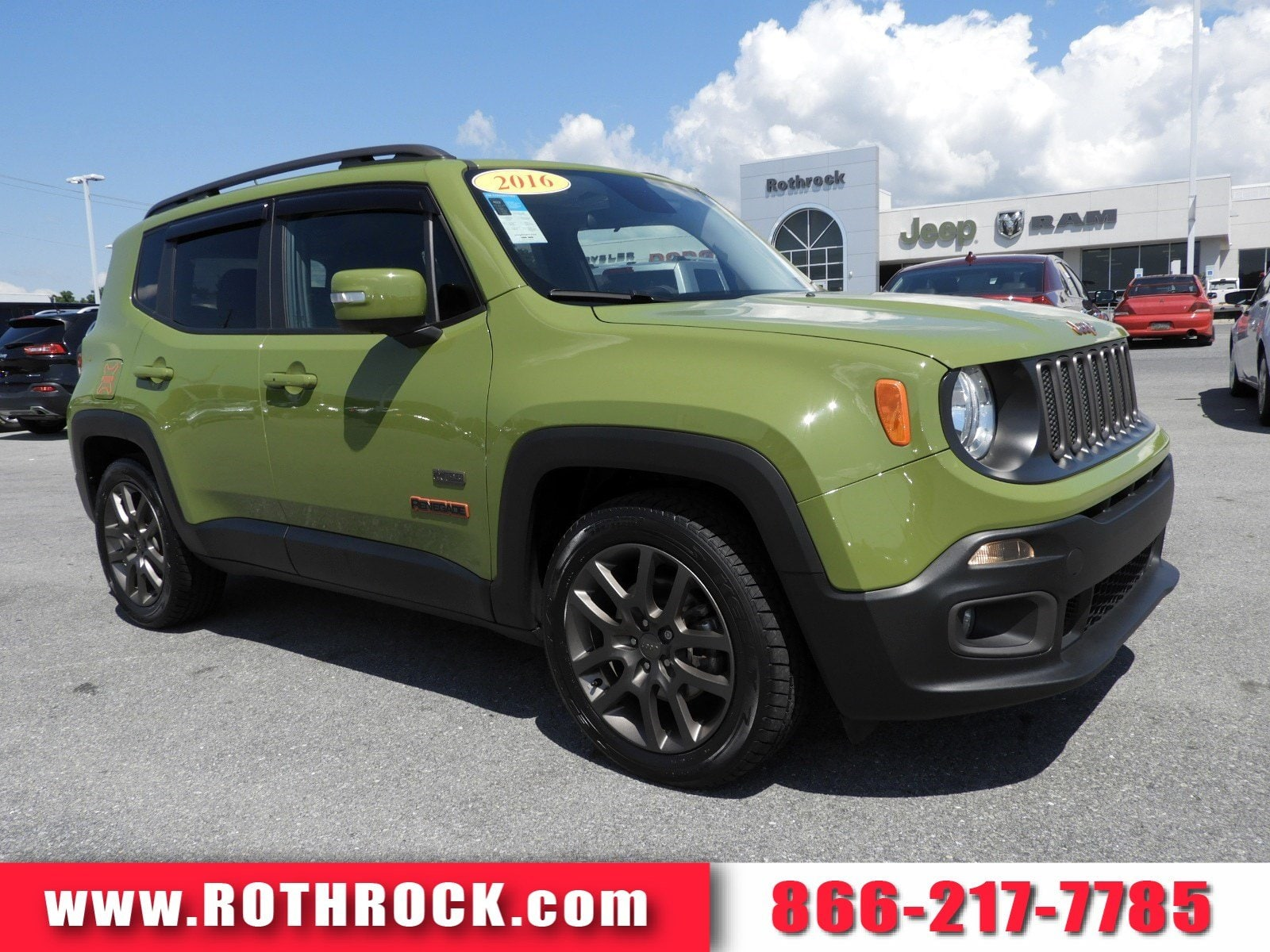 Photo Used 2016 Jeep Renegade Latitude FWD SUV for Sale in Allentown, PA
