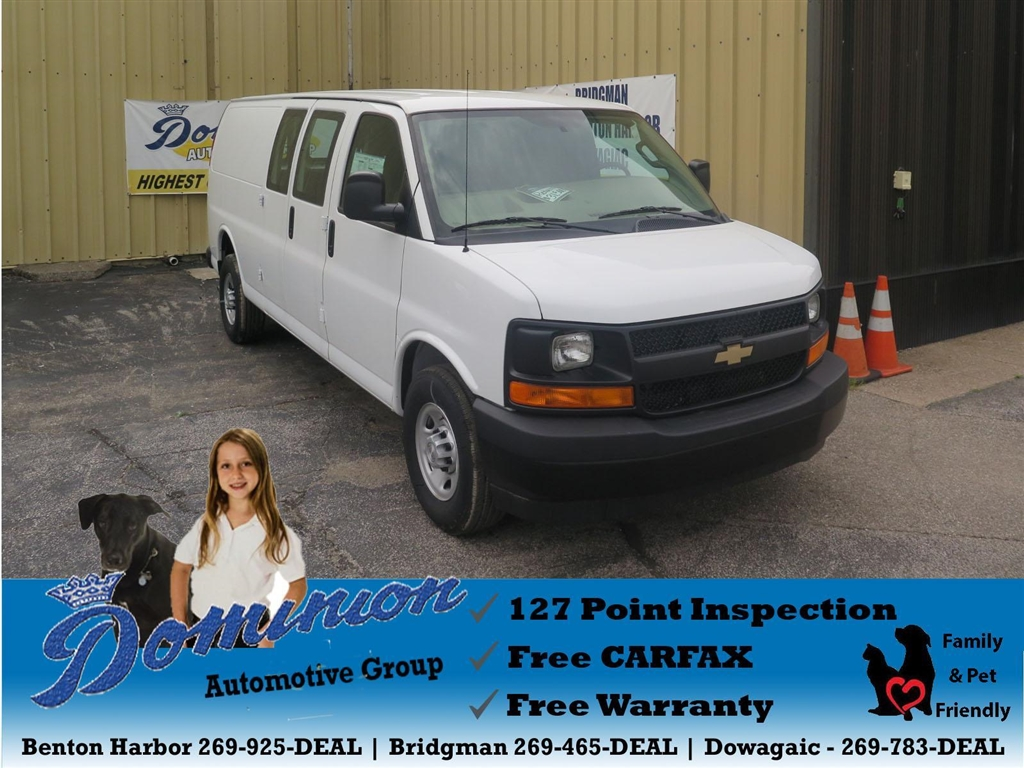 Photo 2017 Chevrolet Express 3500 Cargo Extended