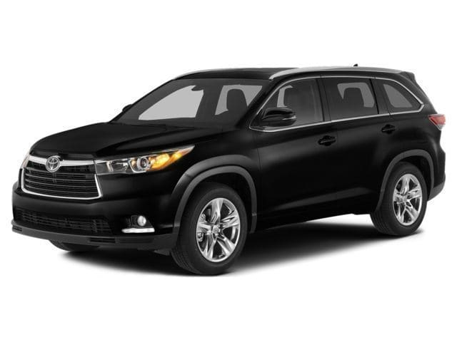 Photo Used 2014 Toyota Highlander XLE V6 SUV All-wheel Drive for Sale in Riverhead, NY