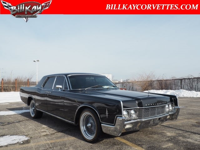 Photo Pre-Owned 1966 Lincoln Town Car 4 DOOR 4 Dr Sedan