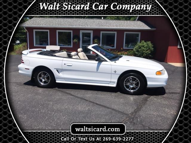 Photo 1995 Ford Mustang Convertible