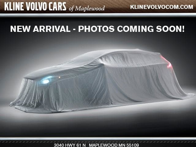 Photo Used 2017 Volvo V60 Cross Country T5 Platinum Wagon For Sale Maplewood, MN