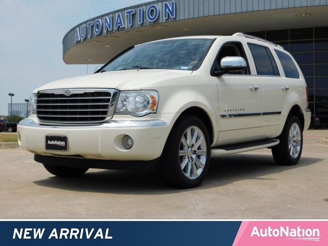 Photo 2008 Chrysler Aspen Limited Sport Utility
