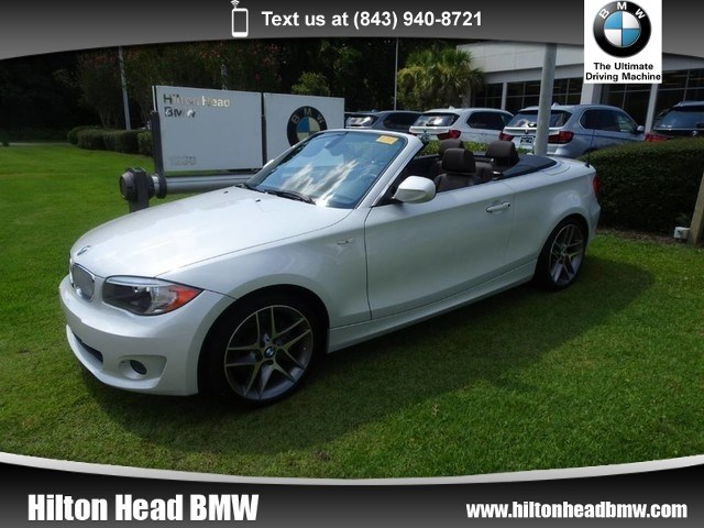 Photo 2013 BMW 1 Series 128i  ONLY 25,000 miles  Limited Edition  He Convertible Rear-wheel Drive