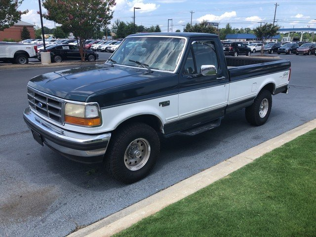 Photo Used 1995 Ford F-150 Special Reg Cab 133.0 WB 4WD