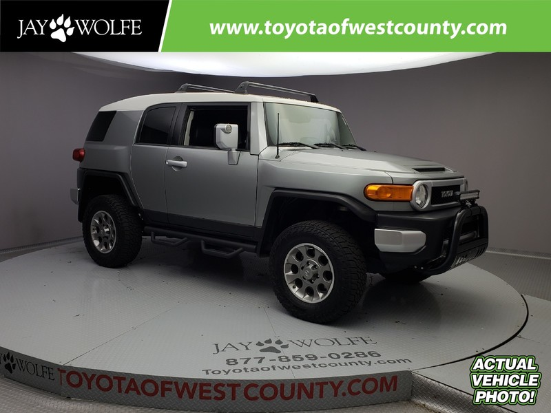Photo Certified Pre-Owned 2012 TOYOTA FJ CRUISER 4WD 4DR AUTO Four Wheel Drive 4 Door