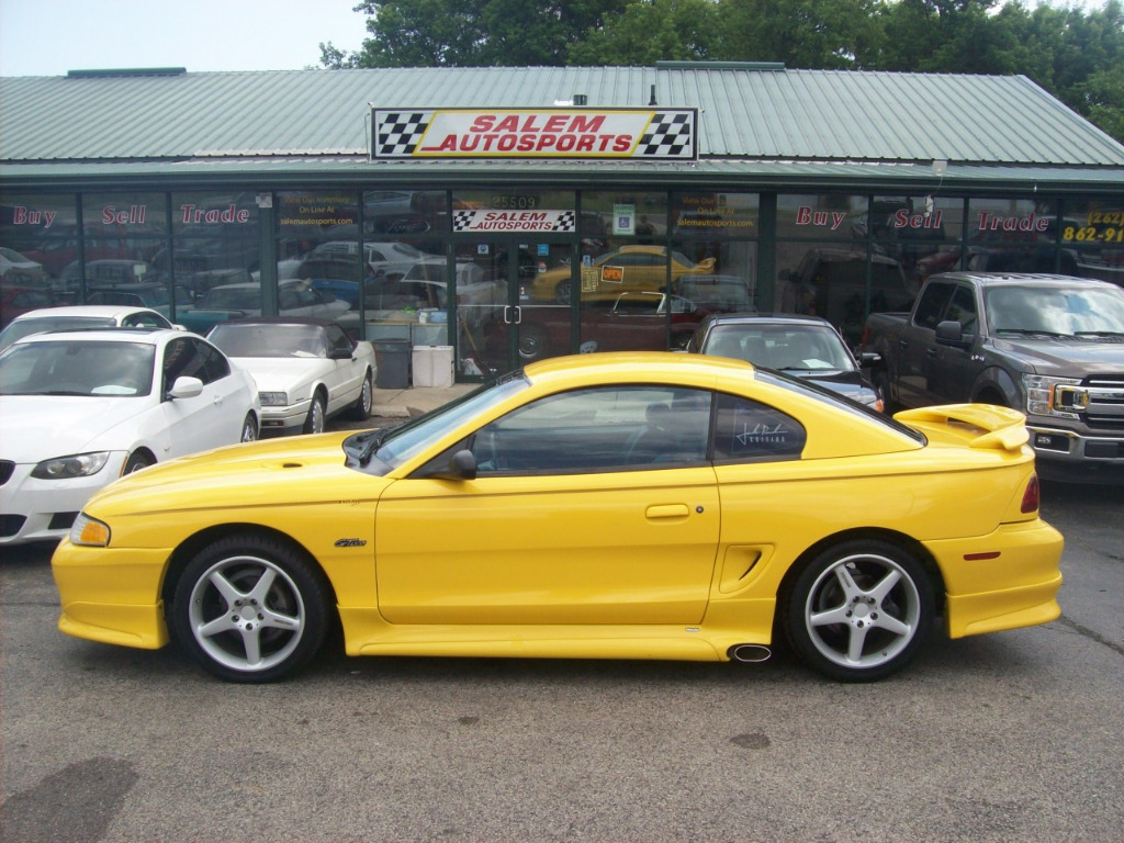 Photo 1998 Ford Mustang 2dr Cpe GT
