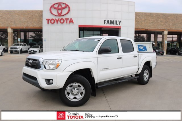 Photo Used 2015 Toyota Tacoma 2WD Double Cab Short Bed V6 Automatic PreRunner