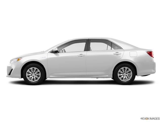 Photo Used 2014 Toyota Camry Hybrid for Sale in Temecula