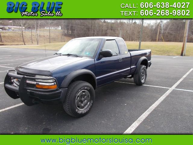 Photo 2002 Chevrolet S10 Pickup Ext. Cab 4WD
