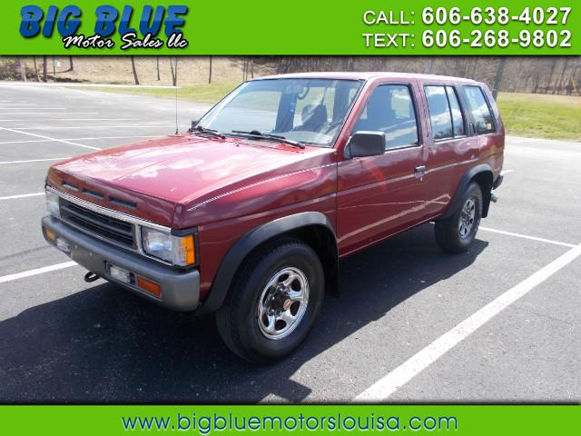 Photo 1995 Nissan Pathfinder XE 4-door 4WD