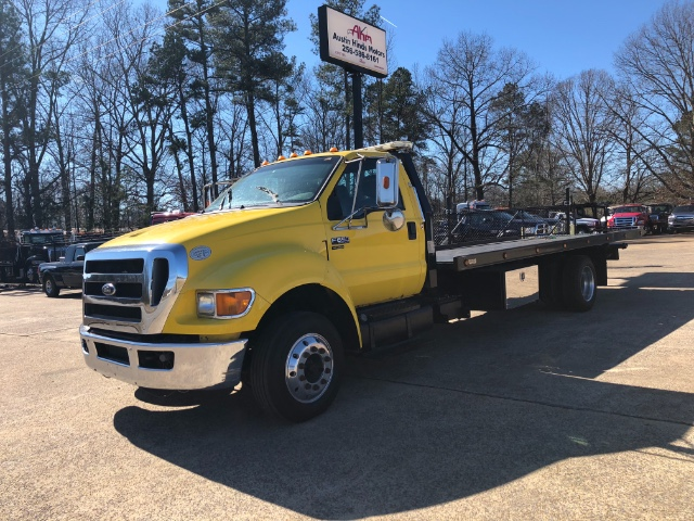 Photo 2011 Ford F-650 Regular Cab 2WD DRW
