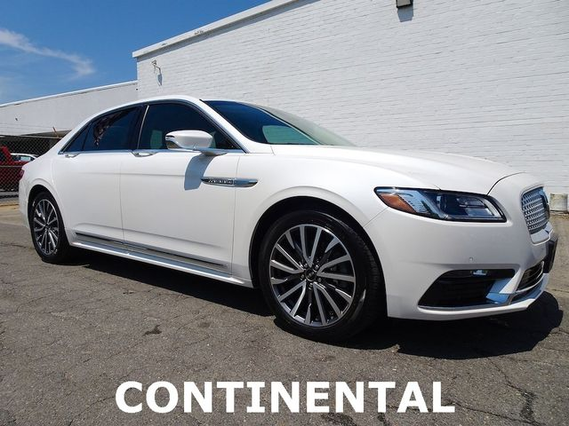 Photo 2017 Lincoln Continental Select