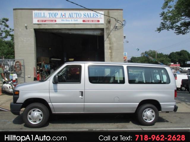 Photo 2013 Ford Econoline Vans E-150 XL Passenger Van Loaded 40K Silve
