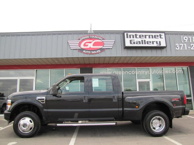 Photo 2008 Ford Super Crew F-350 DRW Short Bed 4x4 V10 XL