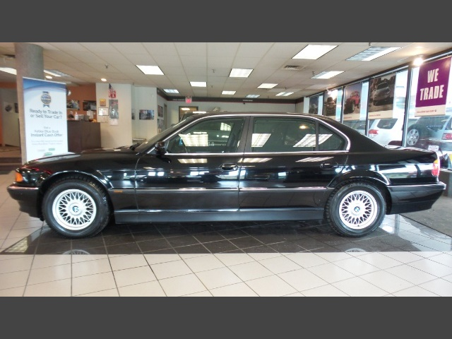 Photo 2000 BMW 740iL for sale in Hamilton OH
