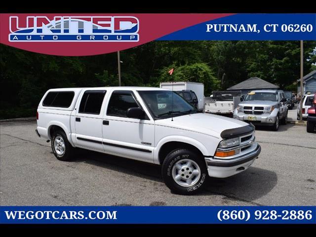 Photo 2002 Chevrolet S10 Pickup Crew Cab 123 WB 4WD LS